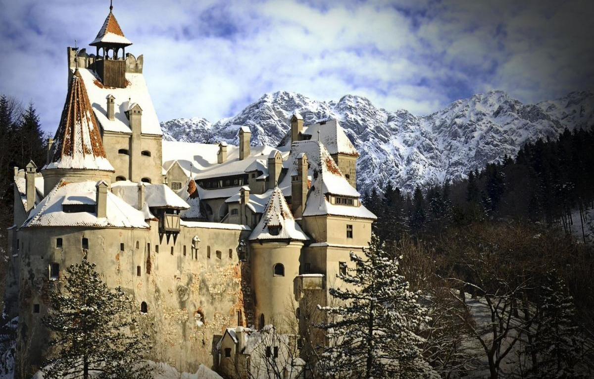The Sfinx and Babele,  Bran Castle.